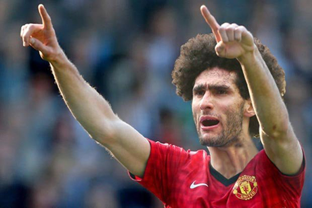 Fellaini, Manchester United new jersey for 2013-2014