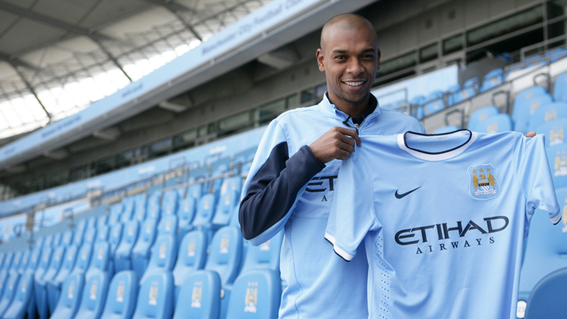 Fernandinho, Manchester City new jersey for 2013-2014