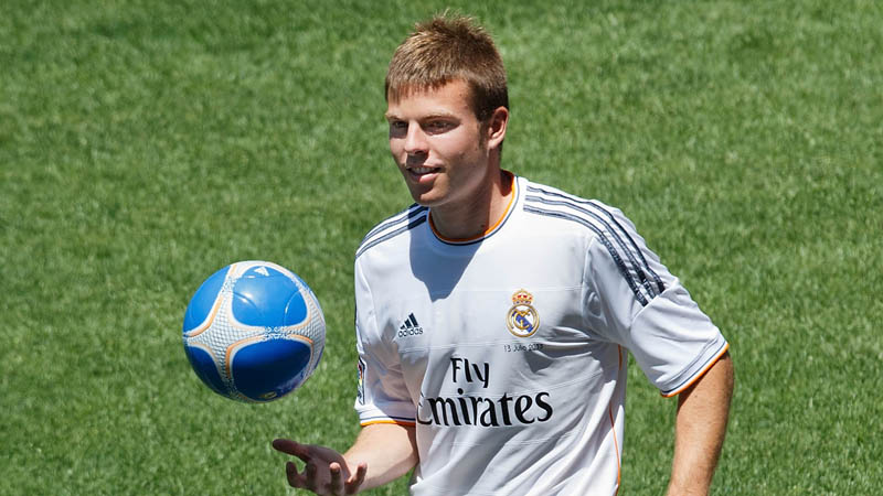 Asier Illarramendi, Real Madrid new jersey for 2013-2014