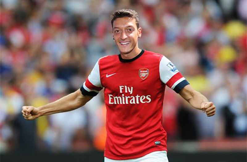 Mesut Ozil, Arsenal new jersey for 2013-2014