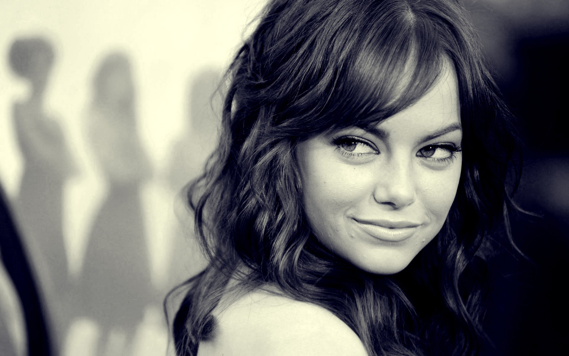 Emma Stone sexy and teasing eyes wallpaper