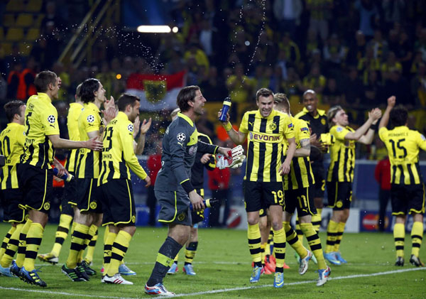 borussia dortmund most valuable team world sports 2014 forbes ranking richest money transfers salary finances