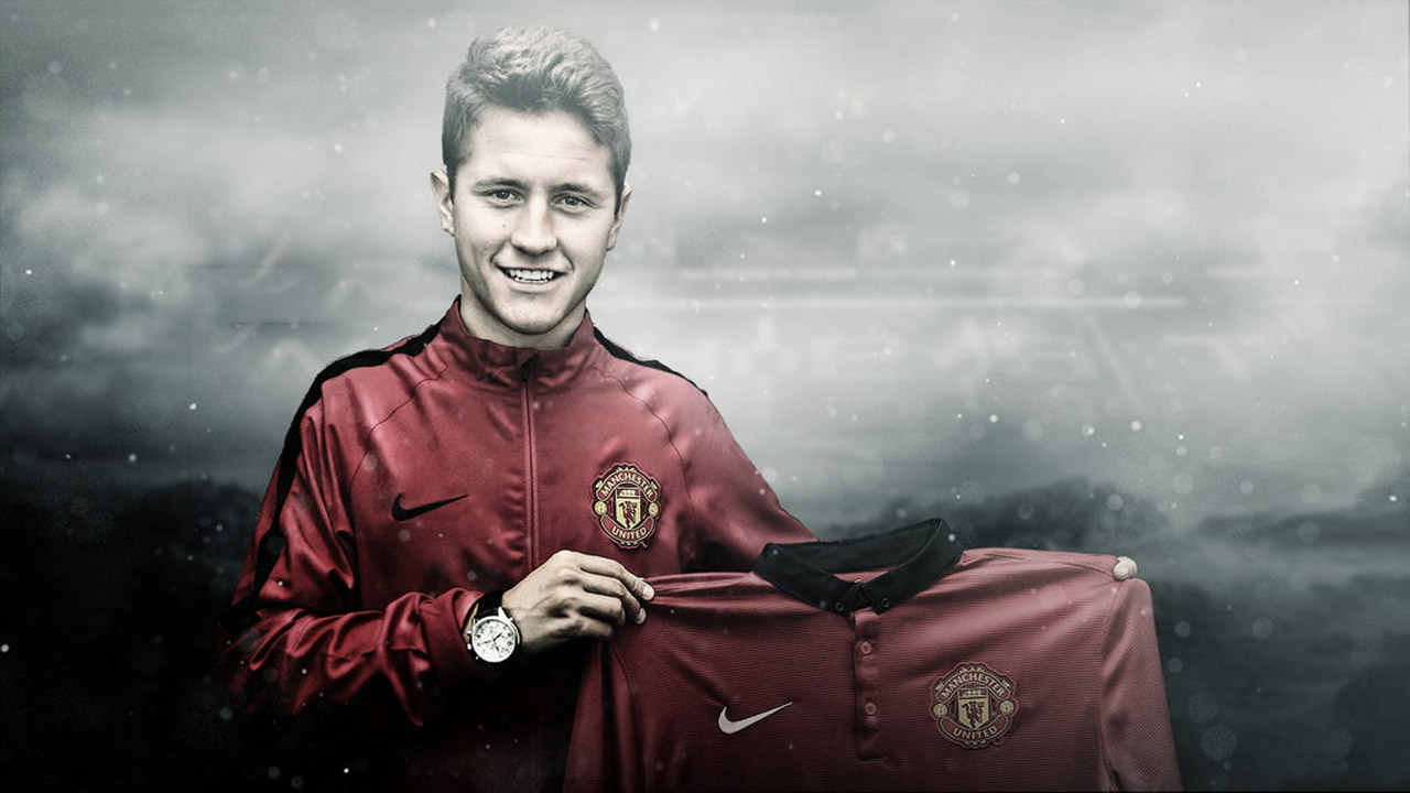 Ander Herrera in Manchester United shirt 2014-2015 wallpaper