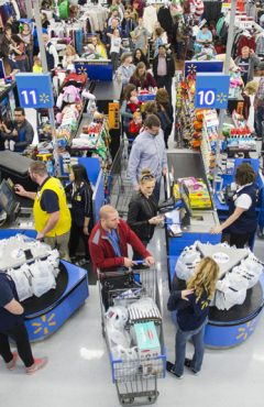 Walmart crowded at Thanksgiving